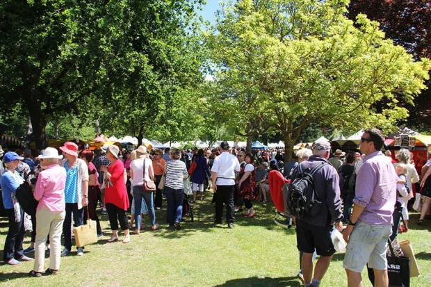 Culverden Fete Crowd 2.jpg