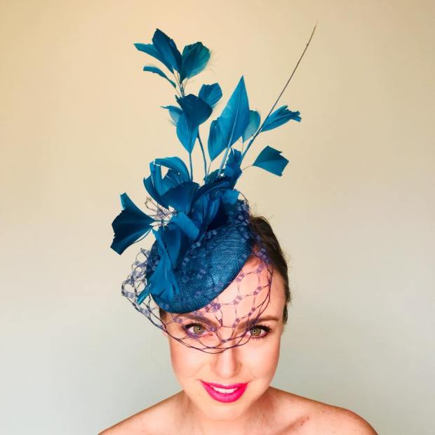 SHOW PONY Headpiece hat